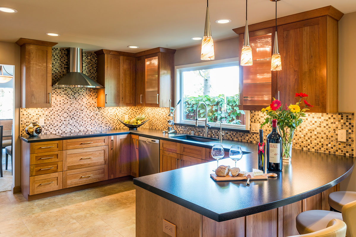 <strong>Transitional Kitchen</strong> / Finish: Wheat Stain on Cherry / Door: Wheat Stain on Cherry