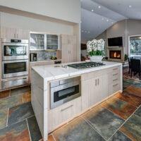 Dewils Light Kitchen